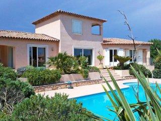 3 bedroom Villa in Saint-Aygulf, Provence-Alpes-Côte d'Azur, France : ref 551896