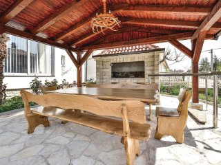 6 bedroom Villa in Debeljak, Zadarska Zupanija, Croatia : ref 5521737