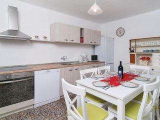2 bedroom Villa in Selca, Splitsko-Dalmatinska Zupanija, Croatia : ref 5522489