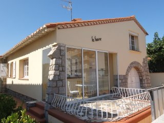3 bedroom Villa in Saint-Cyprien-Plage, Occitania, France : ref 5536425
