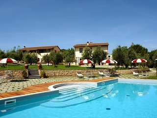 4 bedroom Apartment in Toiano, Tuscany, Italy : ref 5518274