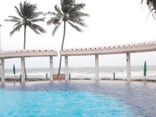 Beachfront Condo Baan Sansaran