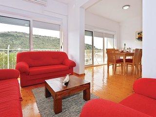 7 bedroom Villa in Podglavica, Šibensko-Kninska Županija, Croatia : ref 5522778