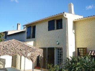 4 bedroom Apartment in Le Grau-du-Roi, Occitania, France : ref 5513814