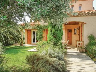 4 bedroom Villa in Saint-Laurent-de-la-Salanque, Occitania, France : ref 5522276