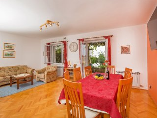 4 bedroom Apartment in Cilipi, Dubrovacko-Neretvanska Zupanija, Croatia : ref 55