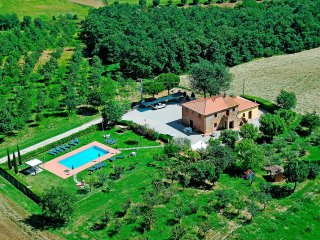 4 bedroom Apartment in Ospizio, Tuscany, Italy : ref 5518444