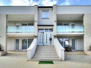 8 bedroom Apartment in Umag, Istria, Croatia : ref 5535427