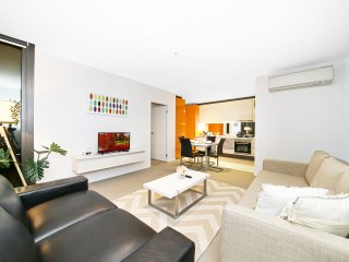 2BR Zesty Suites in Melbourne CBD