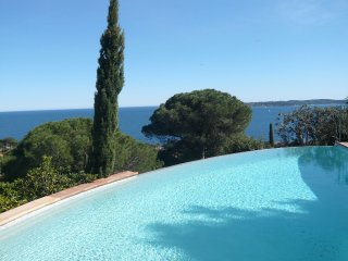 4 bedroom Villa in Sainte-Maxime, Provence-Alpes-Cote d'Azur, France : ref 55179