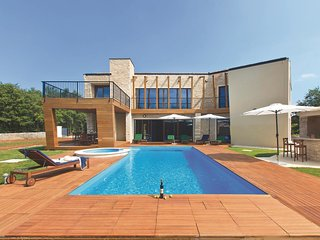 4 bedroom Villa in Modrusani, Istria, Croatia : ref 5520388