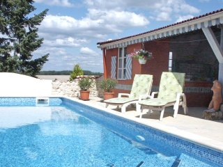 2 bedroom Villa in Brossac, Nouvelle-Aquitaine, France : ref 5519033