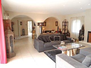 3 bedroom Villa in Les Mayons, Provence-Alpes-Cote d'Azur, France : ref 5518555