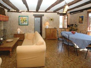 2 bedroom Villa in La Roque-Gageac, Nouvelle-Aquitaine, France : ref 5521911