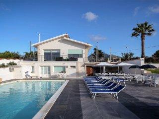Villa with Pool ROSA SICULA