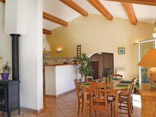 4 bedroom Villa in L'Église, Provence-Alpes-Côte d'Azur, France : ref 5522172