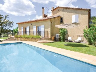 4 bedroom Villa in Sauveterre-de-Rouergue, Occitania, France : ref 5522256