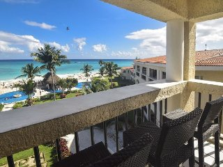 Rock bottom rate for Christmas & New Years weeks in Xaman Ha oceanfront! 7208
