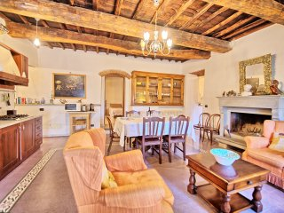 3 bedroom Apartment in San Polo in Chianti, Tuscany, Italy : ref 5239391