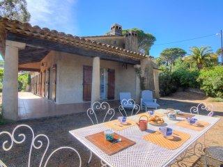 4 bedroom Villa in Sainte-Maxime, Provence-Alpes-Cote d'Azur, France : ref 55149