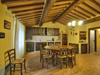 2 bedroom Apartment in Vernazzano Basso, Umbria, Italy : ref 5241024