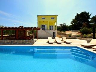 6 bedroom Villa in Necujam, Splitsko-Dalmatinska Zupanija, Croatia : ref 5519772
