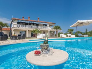 7 bedroom Villa in Šumber, Istria, Croatia : ref 5520321