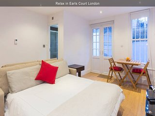 Hidden Gem in Earls Court - 1BR/1BT Garden Apt