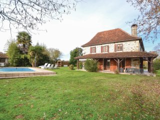 5 bedroom Villa in Lichos, Nouvelle-Aquitaine, France : ref 5570138