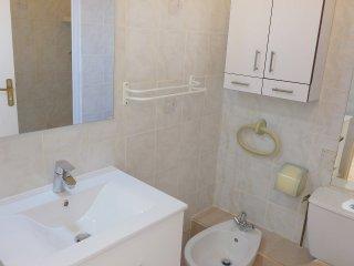 2 bedroom Apartment in Cavalaire-sur-Mer, Provence-Alpes-Côte d'Azur, France : r