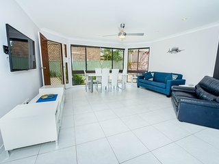 Pet Friendly Tomaree Rd 142 - Shoal Bay