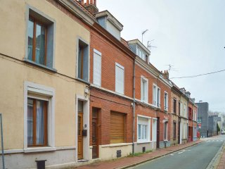 3 bedroom Villa in Faubourg de Fives, Hauts-de-France, France : ref 5571531