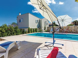 4 bedroom Villa in Rakalj, Istria, Croatia : ref 5520345