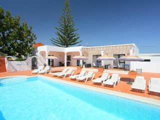 5 bedroom Villa in Parchal, Faro, Portugal : ref 5516383