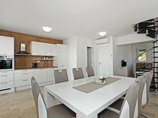 3 bedroom Apartment in Solaris, , Croatia : ref 5570039