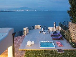 4 bedroom Villa in Costa Saracena-Castelluccio, Sicily, Italy : ref 5571555