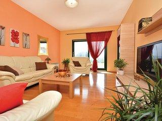 4 bedroom Villa in Stobreč, Splitsko-Dalmatinska Županija, Croatia : ref 5521856