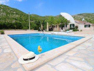 2 bedroom Villa in Radalji, Splitsko-Dalmatinska Županija, Croatia : ref 5525225