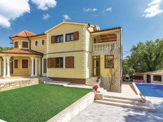 7 bedroom Villa in Medulin, Istria, Croatia : ref 5520587