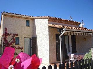 3 bedroom Apartment in Saint-Cyprien-Plage, Occitania, France : ref 5514080