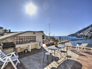 Amalfi Holiday Home Sleeps 5 with Air Con and WiFi - 5228904