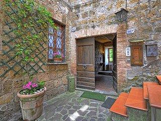 2 bedroom Apartment in Centeno, Latium, Italy : ref 5240381