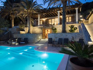Villa Tomislav Split - Luxury 5* Villa in peacefull area with amazing view