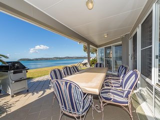 Waterfront Wonderland, 41 Foreshore Drive