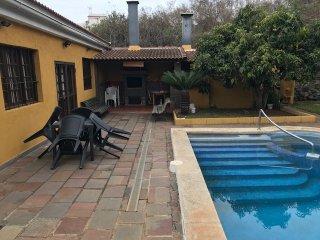 Chalet la matanza con piscina