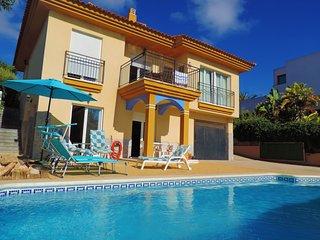 Villa de 4 dormitorios con piscina privada y jardin cerca de las Calas