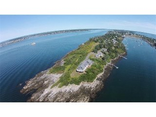 AMAZING Peninsula setting! Views into Mackerel Cove, Open Ocean, Harpswell Sound