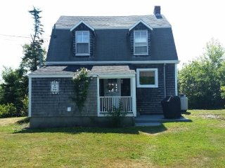 Recently renovated early 1900`s cottage with views of the ocean!