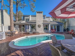 Harbour Town Home Private Pool, Pet Friendly