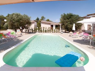 2 bedroom Villa in Muro Leccese, Apulia, Italy : ref 5341532